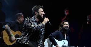 Megastar Tarkan'ın Avrupa Turnesi Londra konseri ile başladı.