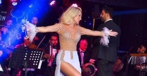 Seda Sayan konser gelirini TSK'ya bağışladı