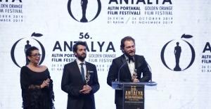 Alican Yücesoy 'En İyi Erkek Oyuncu' seçildi!
