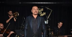 Cenk Eren'den Selda Bağcan şarkıları geliyor!