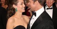 Angelina Jolie ve Brad Pitt evleniyor