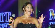 Aşkın Nur Yengi sahnede Uzay Heparı'yı andı!
