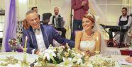 Asuman Dabak evlendi!