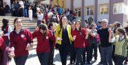 Ayçin İnci Antakya'da kütüphane açılışına katıldı