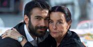 Behram Paşa, Fatma Girik'in oğlu oldu