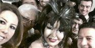 Bülent Ersoy selfie yaptı!