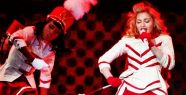 Madonna 50 bin kişiyi coşturdu..