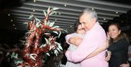Mustafa Alabora yeni yaşını dostlarıyla birlikte kutladı