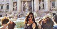 Nilay İtalya da Aşk Çeşmesi'nde dilek...