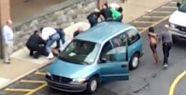 Okul önünde çıplak dua ederken gözaltına alındı