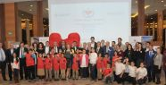 """Sanat ve Spor Dünyası'nın ünlüleri """"Türkiye'deki Şehirli Çocuklar"""" için bir araya geldi"""