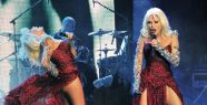Süperstar Ajda Pekkan, Bostancı Kültür Merkezi'nde konser verdi.