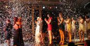 'Uçan Pabuçlar' defilesi Bursa'da renkli görüntülere sahne oldu !