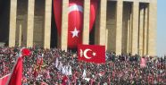 Ünlüler Mustafa Kemal Atatürk'ü unutmadı!