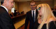Zerrin Özer, kendisine sosyal medyadan hakaret eden 50 kişi için suç duyurusunda bulundu!