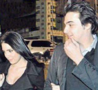 Torun Sadri Alışık kız arkadaşıyla görüntülendi.