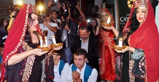 Türkan Şoray 41 yıl sonra Elazığ'da 'Çayda Çıra' oynadı!