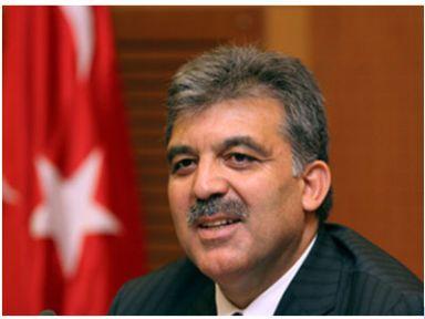 Ünlü isimlerden Cumhurbaşkanı Gül'e tepki yağdı