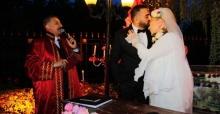 Zerrin Özer 27 yaş küçük sevgilisi ile evlendi